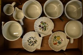 A collection of Portmeirion items mainly in the Botanic Garden design to include pots, planters,