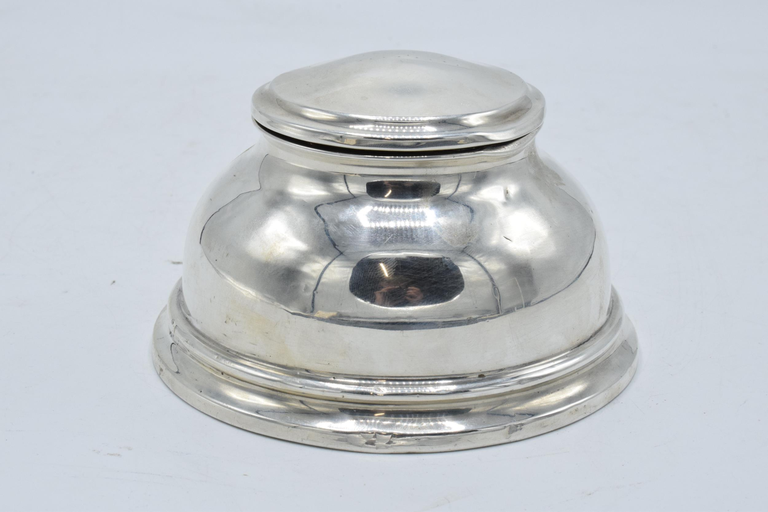 Large hallmarked silver inkwell with hinged lid. Birmingham 1927. 12cm widest diameter. No liner. - Image 2 of 6