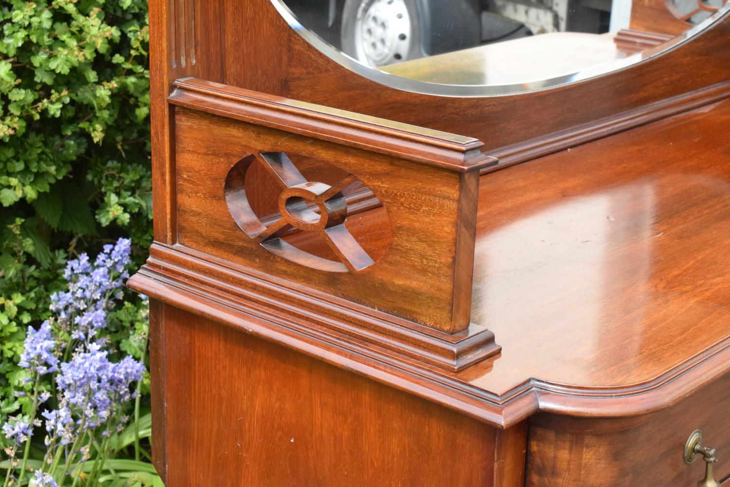 Edwardian mirror backed sideboard/ drinks cabinet. 168 x 56 x 183cm. The top section lifts off and - Image 5 of 11