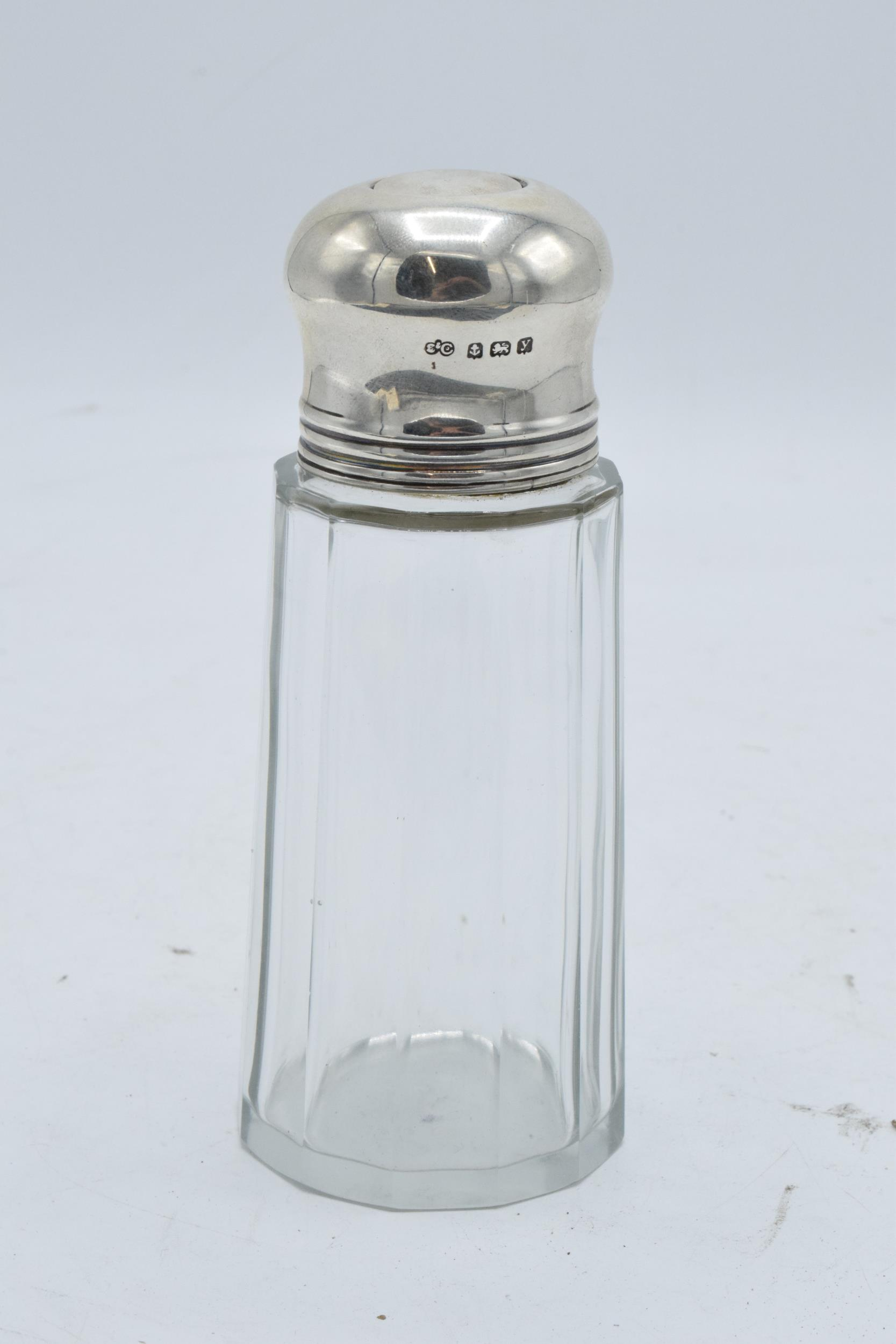 A glass and silver topped sugar sifter. Birmingham 1923. In good condition. - Image 2 of 5