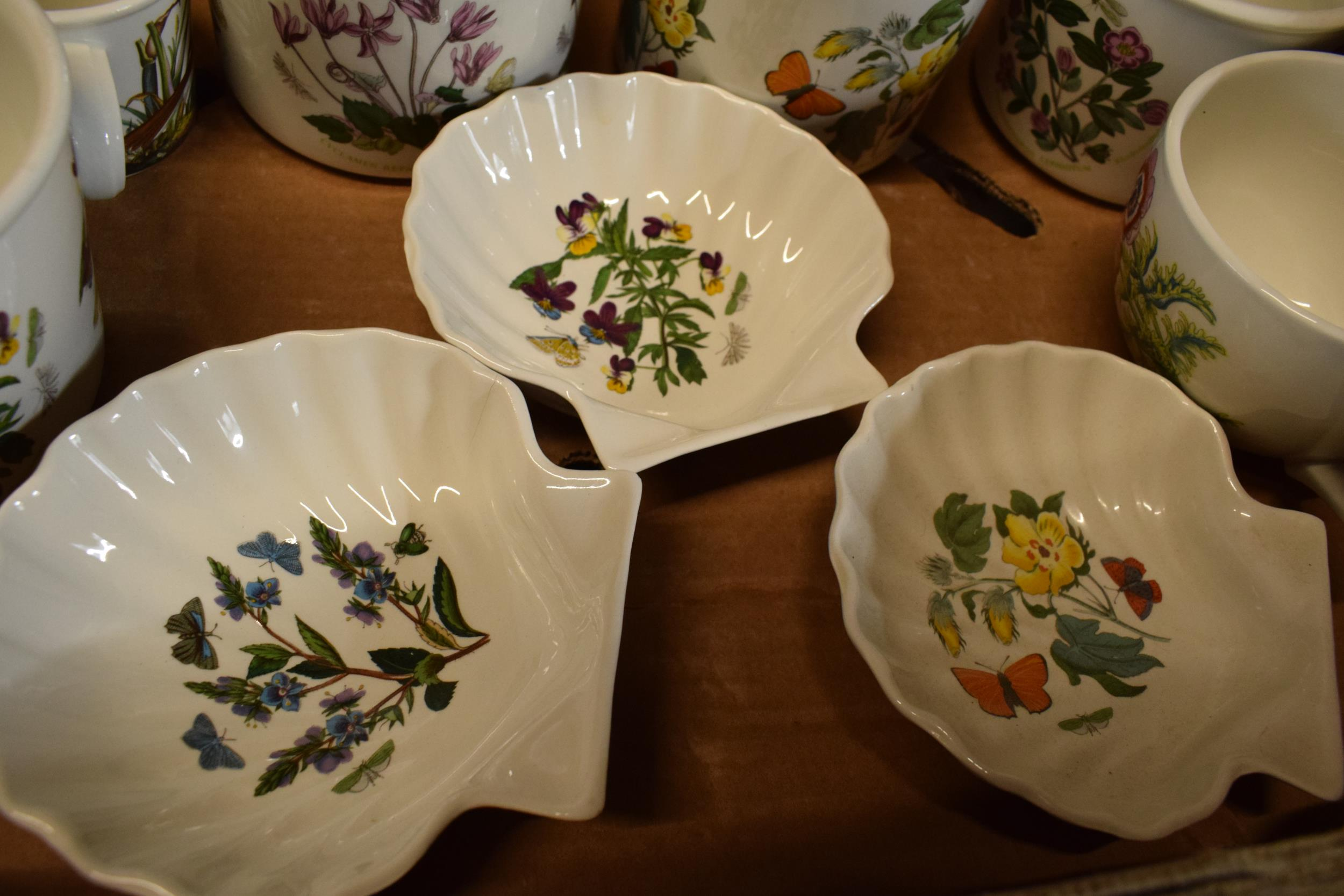 A collection of Portmeirion items mainly in the Botanic Garden design to include pots, planters, - Image 4 of 5