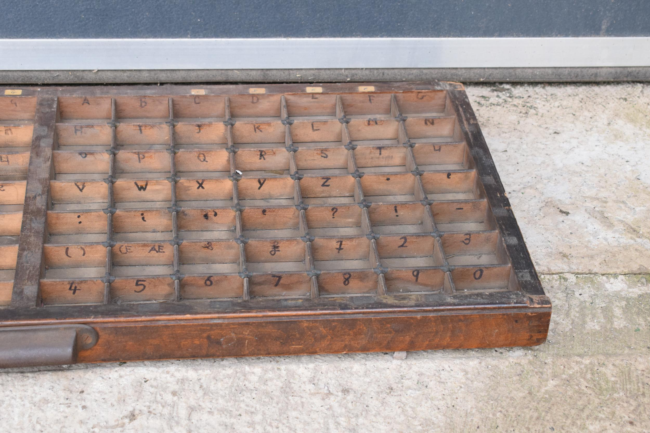 An early 20th century wooden printers letter block tray / rack with brass tacts. 83 x 39cm, (1271). - Image 5 of 6