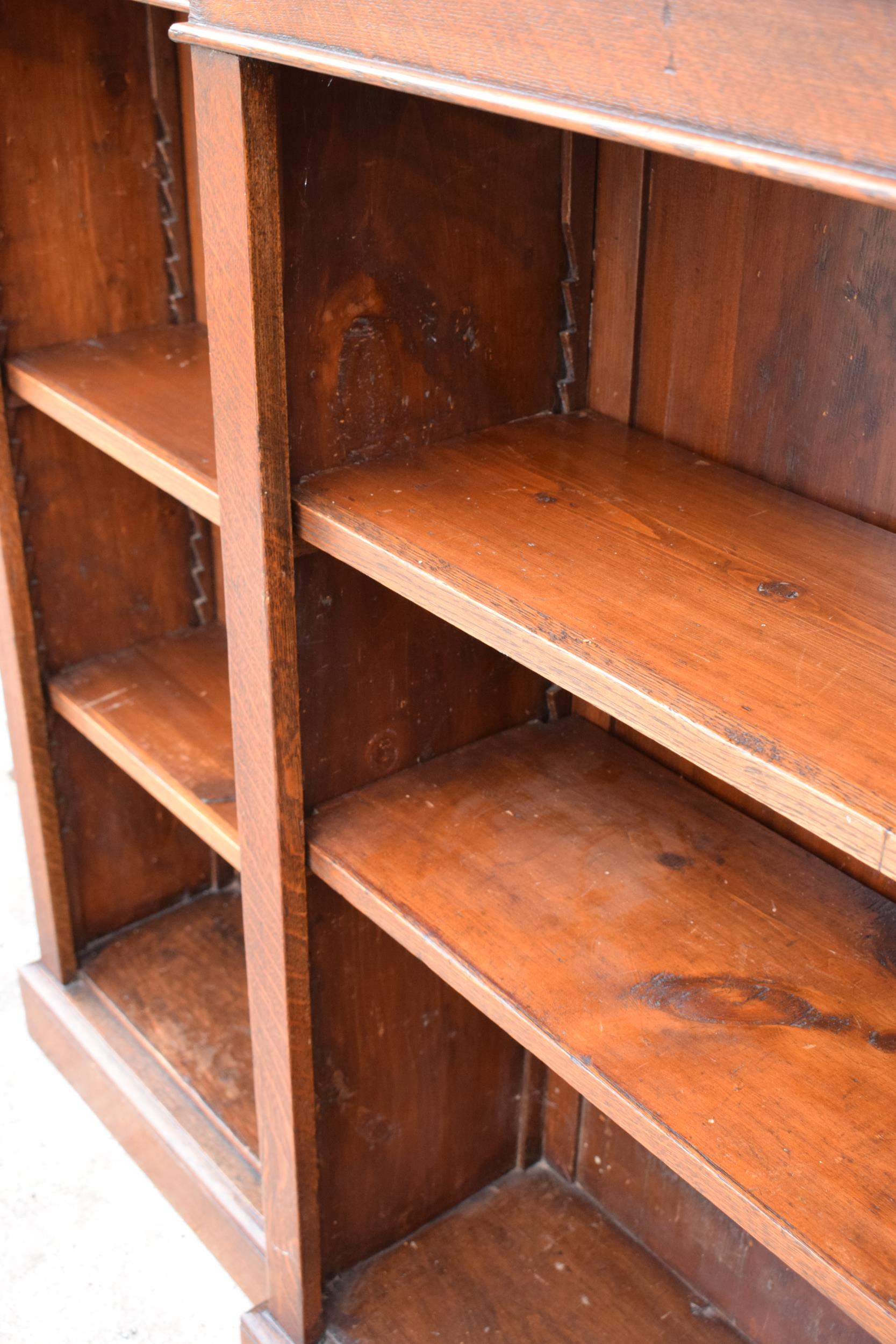 Edwardian breakfront bookcase with 3 sections and 6 adjustable shelves. 182 x 30 x 112cm. In good - Image 7 of 7
