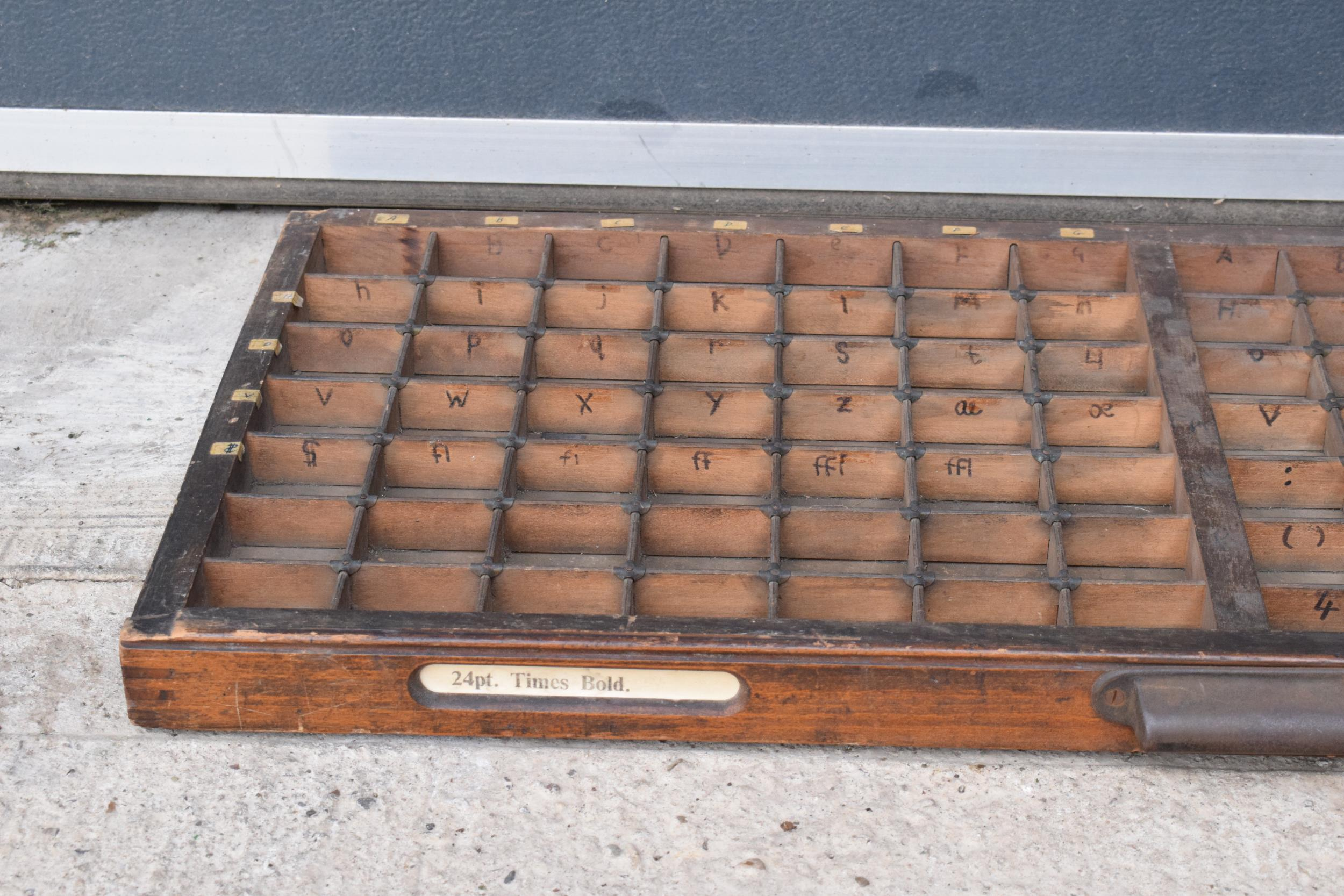 An early 20th century wooden printers letter block tray / rack with brass tacts. 83 x 39cm, (1271). - Image 3 of 6
