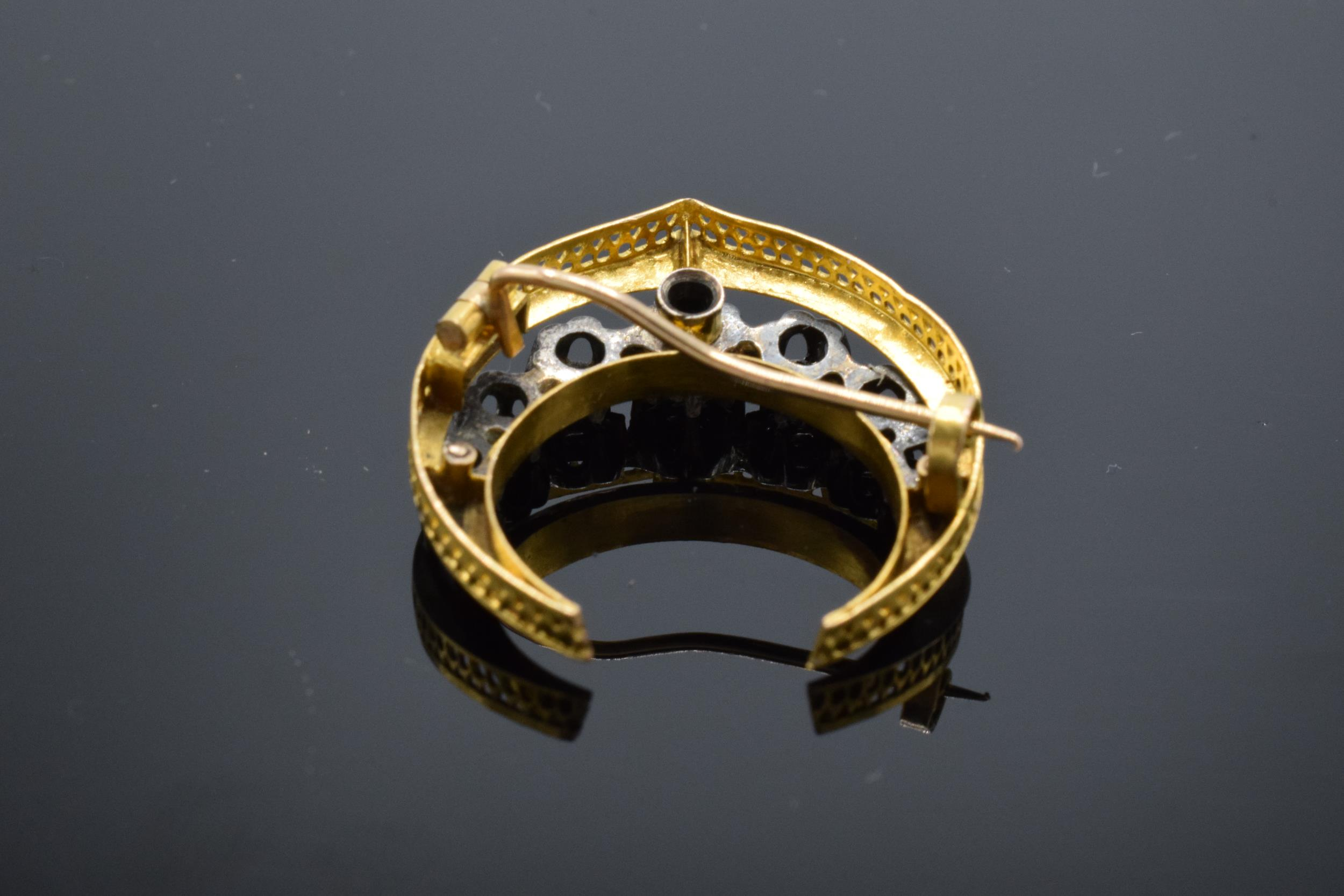 French 18ct gold and diamond chip crescent / half moon brooch. Total weight 4.9 grams. - Image 4 of 5