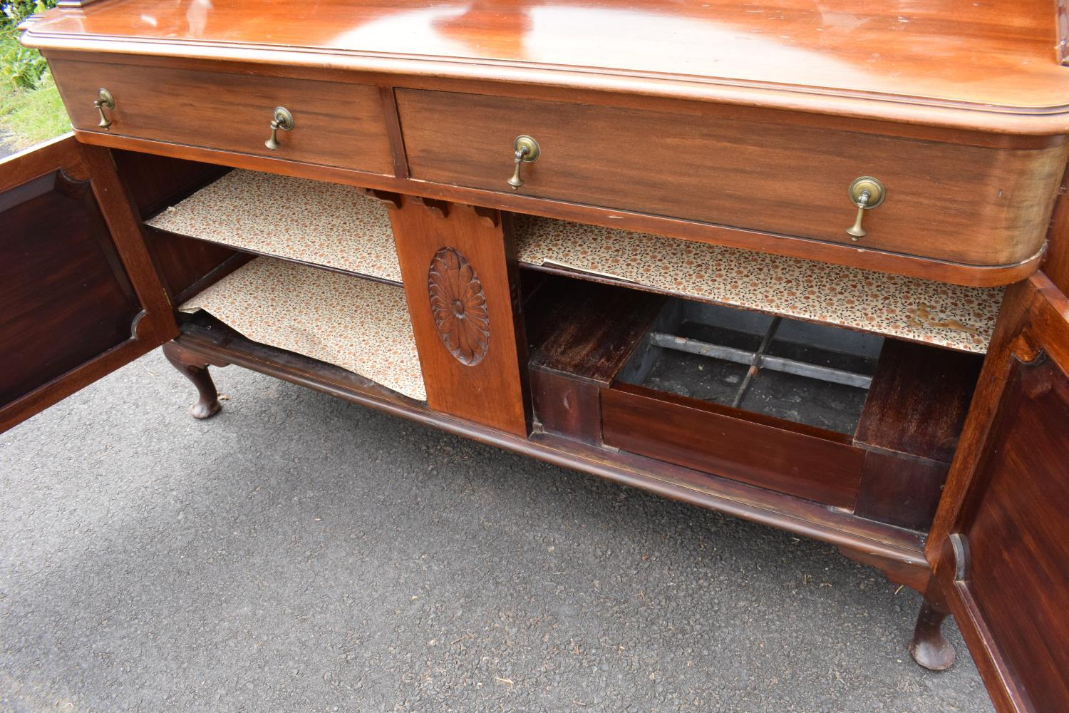 Edwardian mirror backed sideboard/ drinks cabinet. 168 x 56 x 183cm. The top section lifts off and - Image 8 of 11