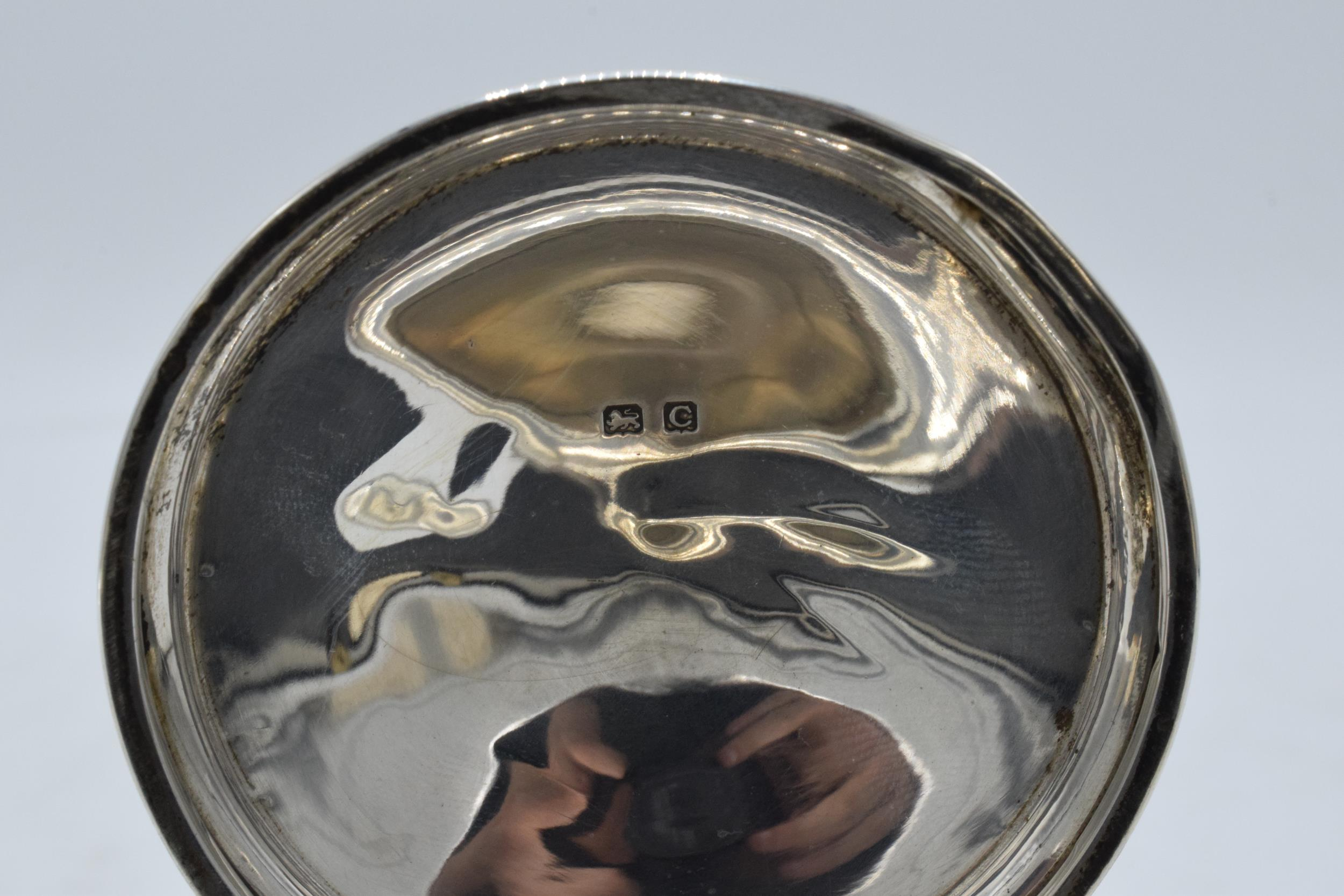 Large hallmarked silver inkwell with hinged lid. Birmingham 1927. 12cm widest diameter. No liner. - Image 5 of 6