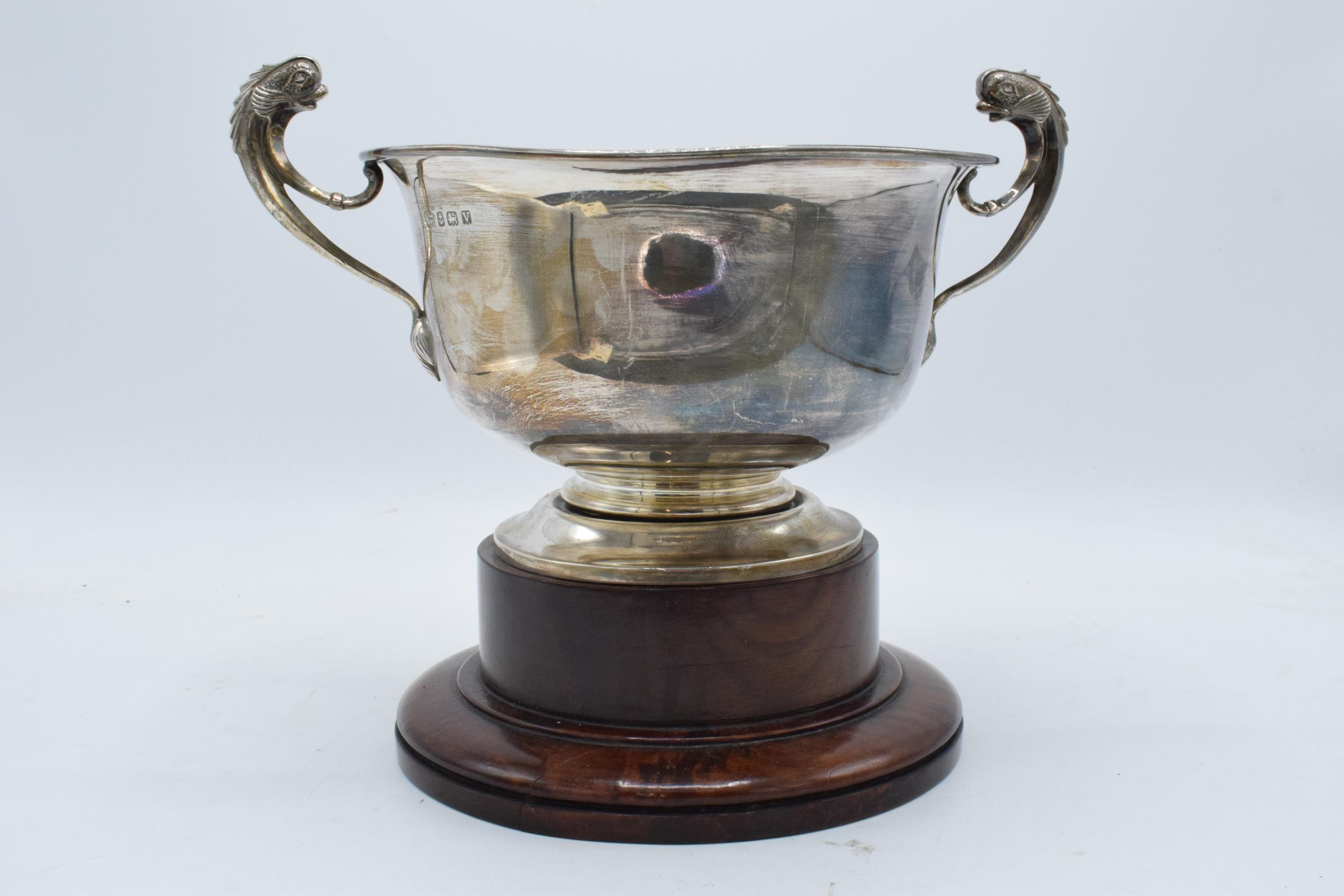 A large silver pedestal bowl raised on a turned wooden plinth with ornate handles. Circa 700 - Image 8 of 10