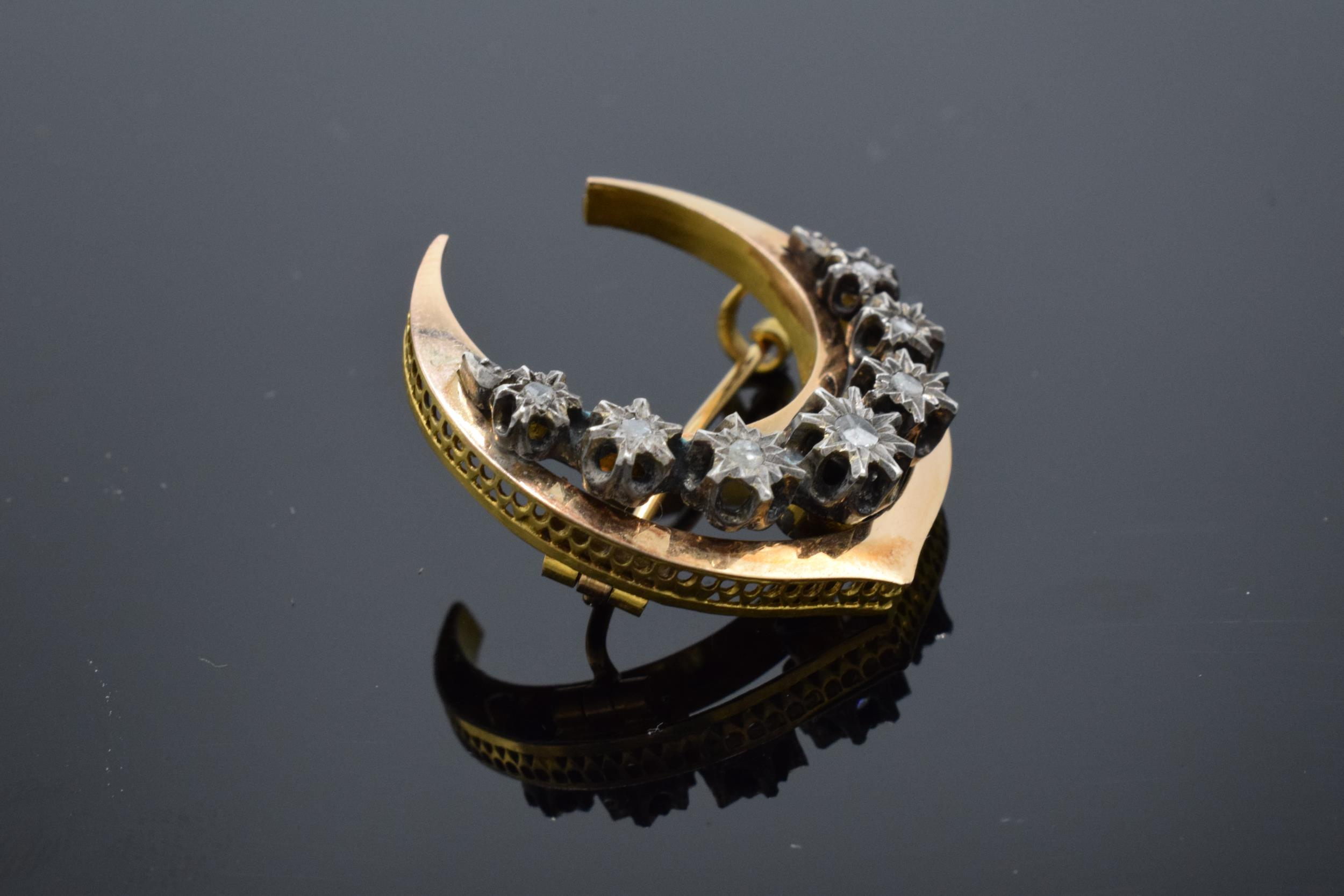 French 18ct gold and diamond chip crescent / half moon brooch. Total weight 4.9 grams. - Image 2 of 5