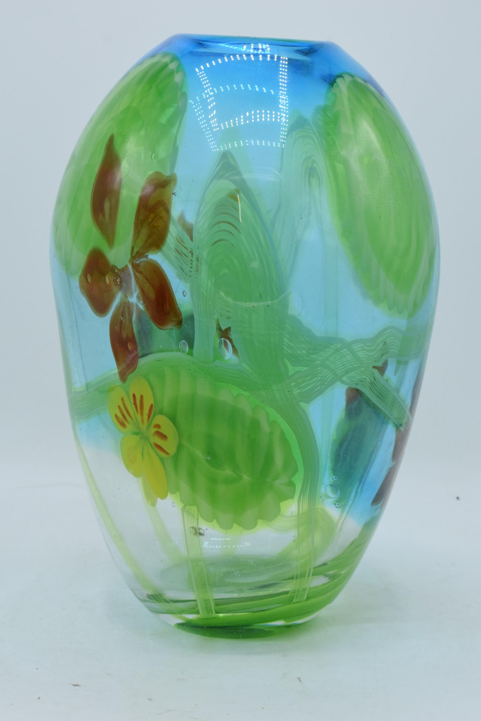 A large studio art glass bulbous vase in the style of Murano 31cm tall. In good condition with no
