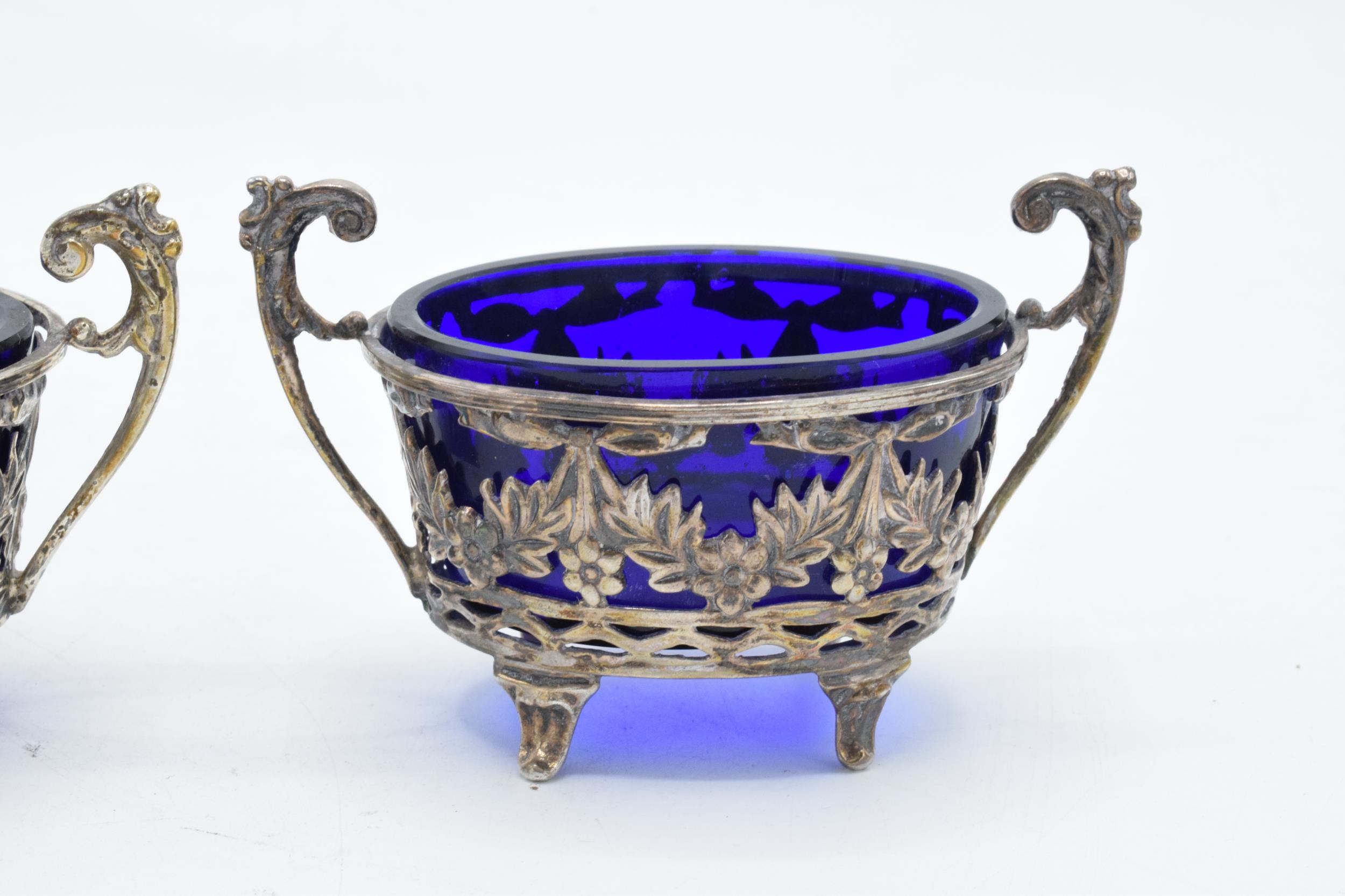 A pair of silver table salts with associated blue glass liners (2). Chester 1894. 101.3 grams of - Image 3 of 6