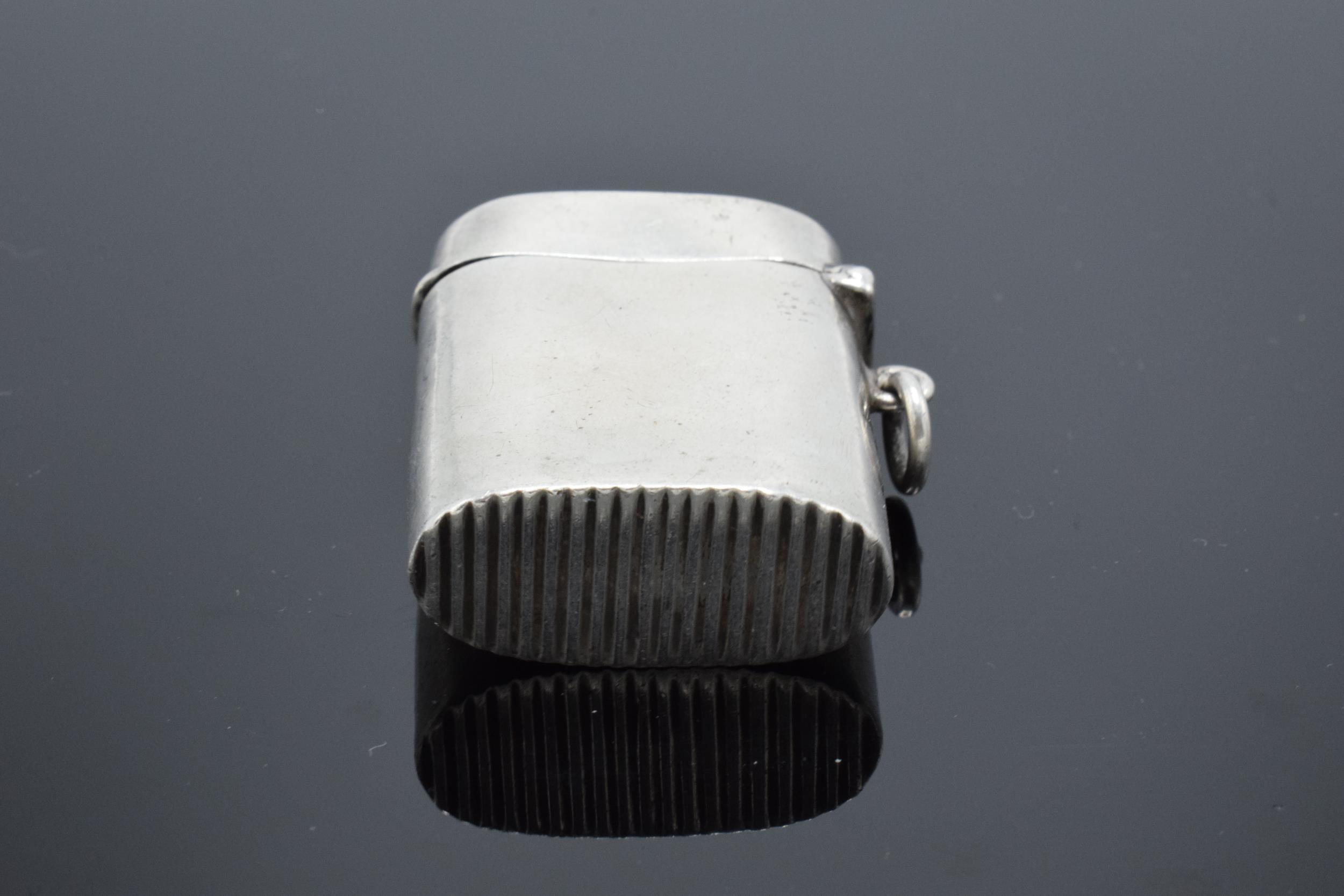 An American sterling silver vesta case. 21.4 grams. - Image 3 of 4