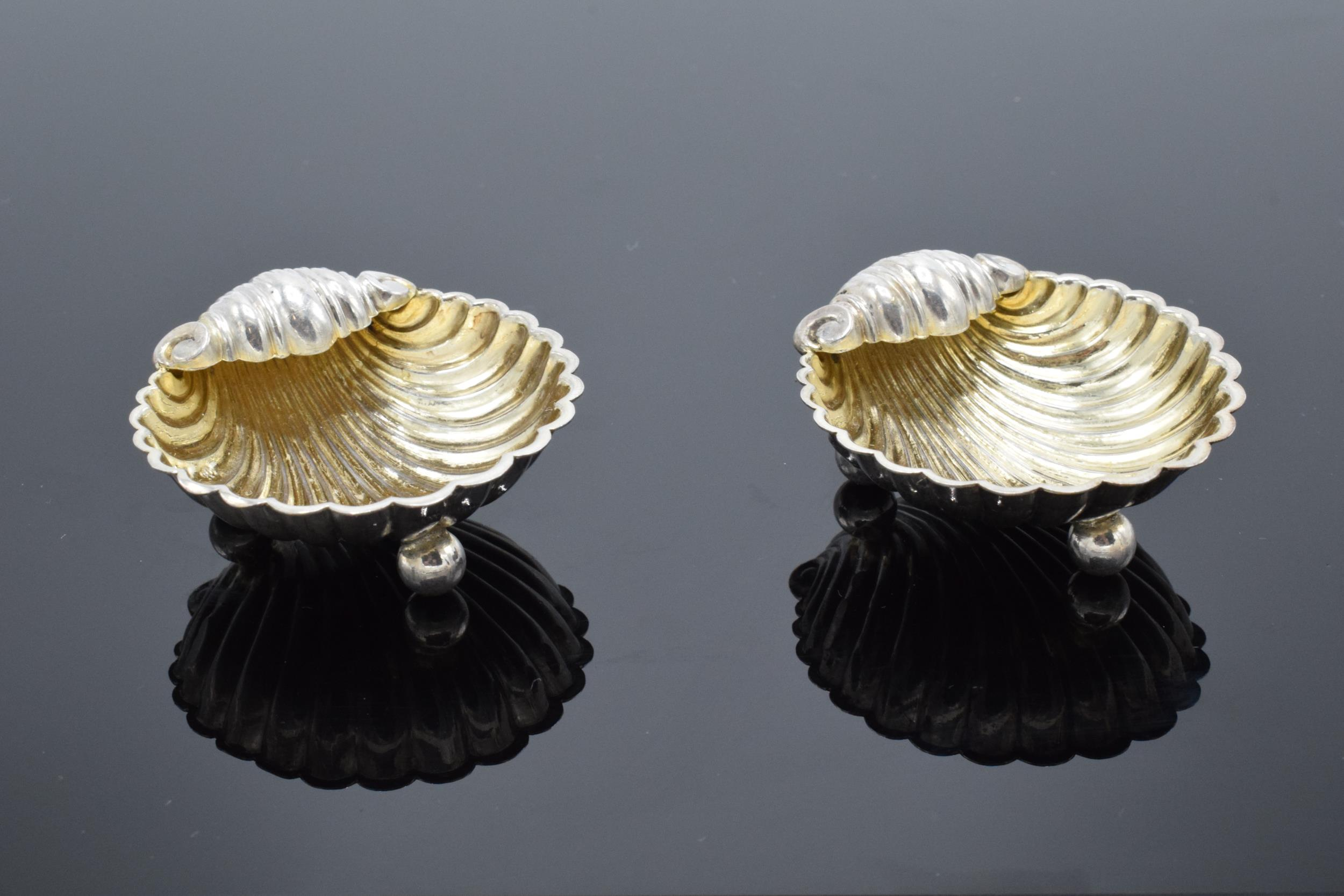 A pair of silver table salts in the form of shells raised on ball feet. Hallmarked for Birmingham - Image 2 of 6