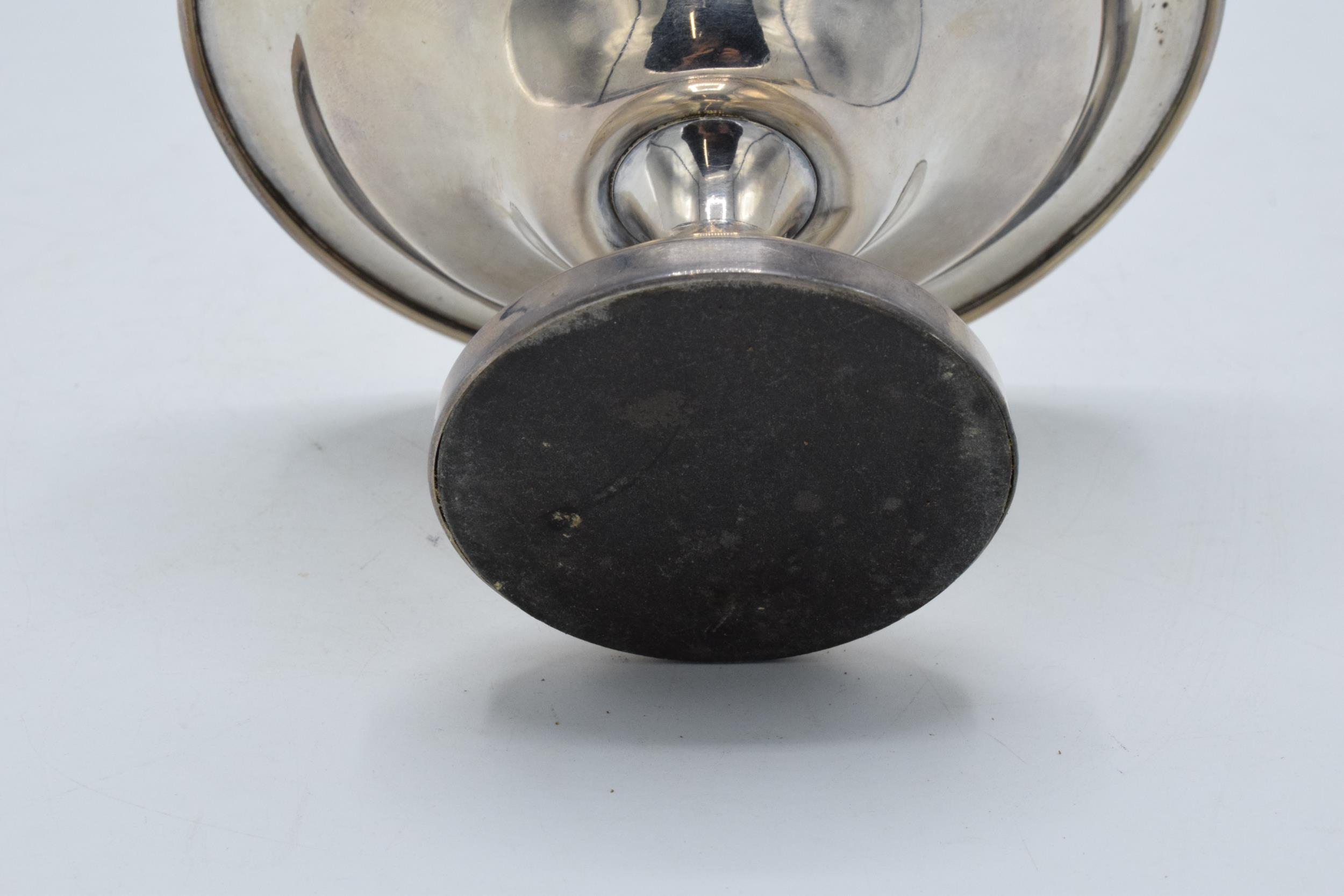 A loaded silver comport hallmarked for Birmingham 1920 or 1945. 14cm diameter. In good condition - Image 5 of 6