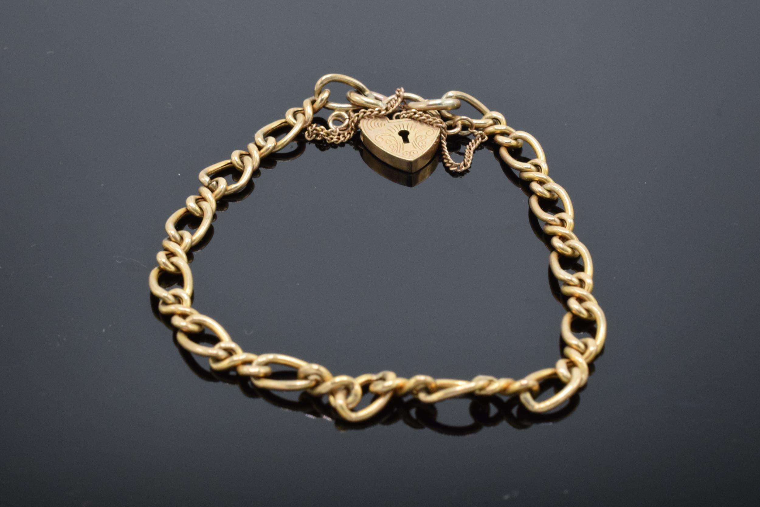 9ct gold charm bracelet 5.2g