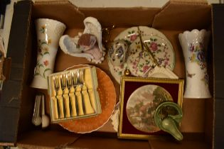 A mixed collection of items to include a Wade pipe holder, Aynsley vase, Old Foley Chinese Rose cake