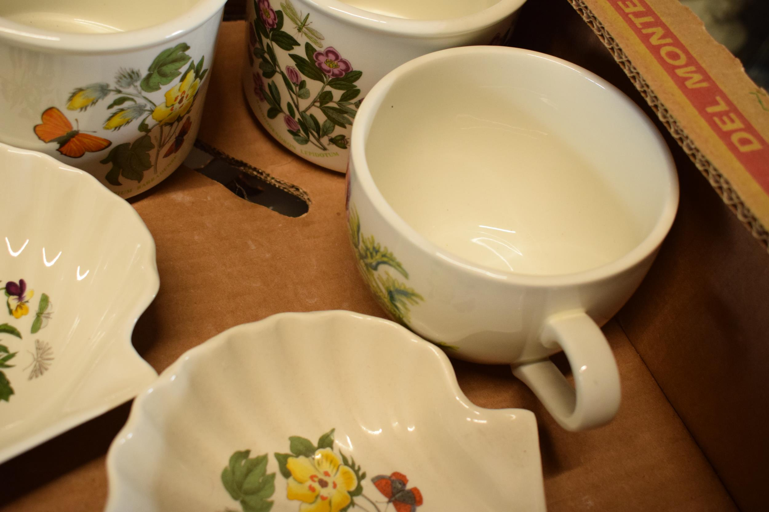A collection of Portmeirion items mainly in the Botanic Garden design to include pots, planters, - Image 5 of 5