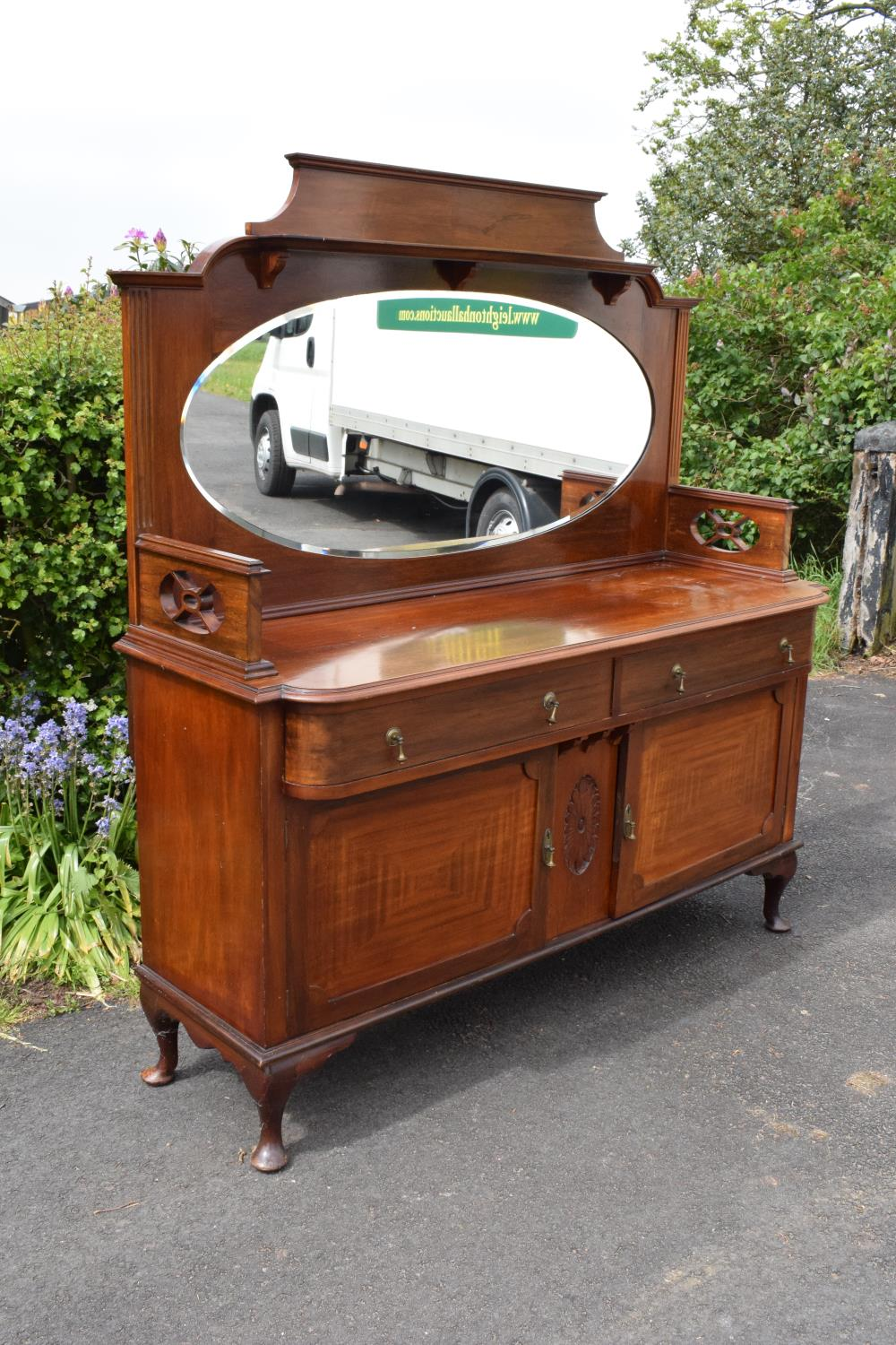 Edwardian mirror backed sideboard/ drinks cabinet. 168 x 56 x 183cm. The top section lifts off and - Image 4 of 11