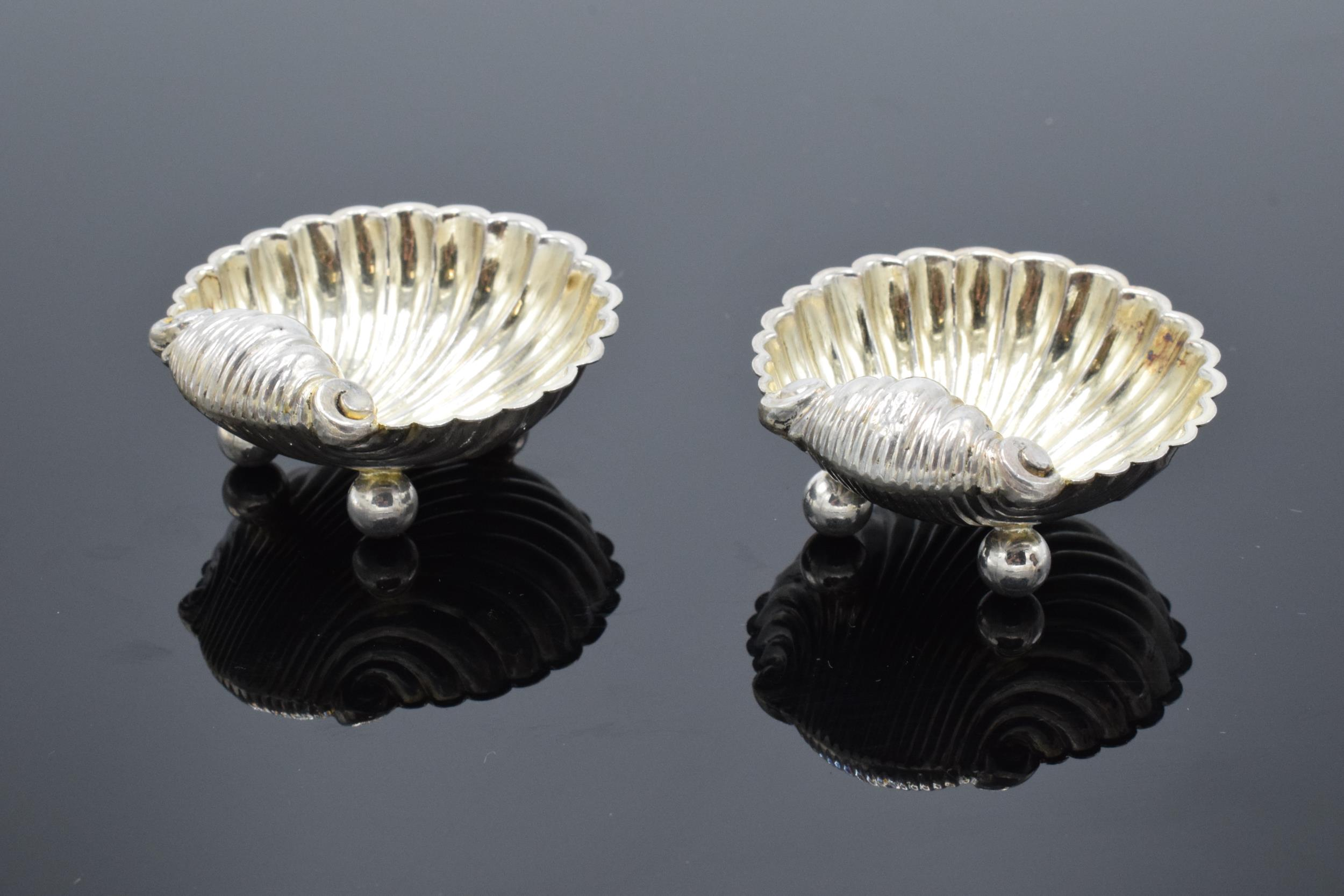 A pair of silver table salts in the form of shells raised on ball feet. Hallmarked for Birmingham - Image 3 of 6