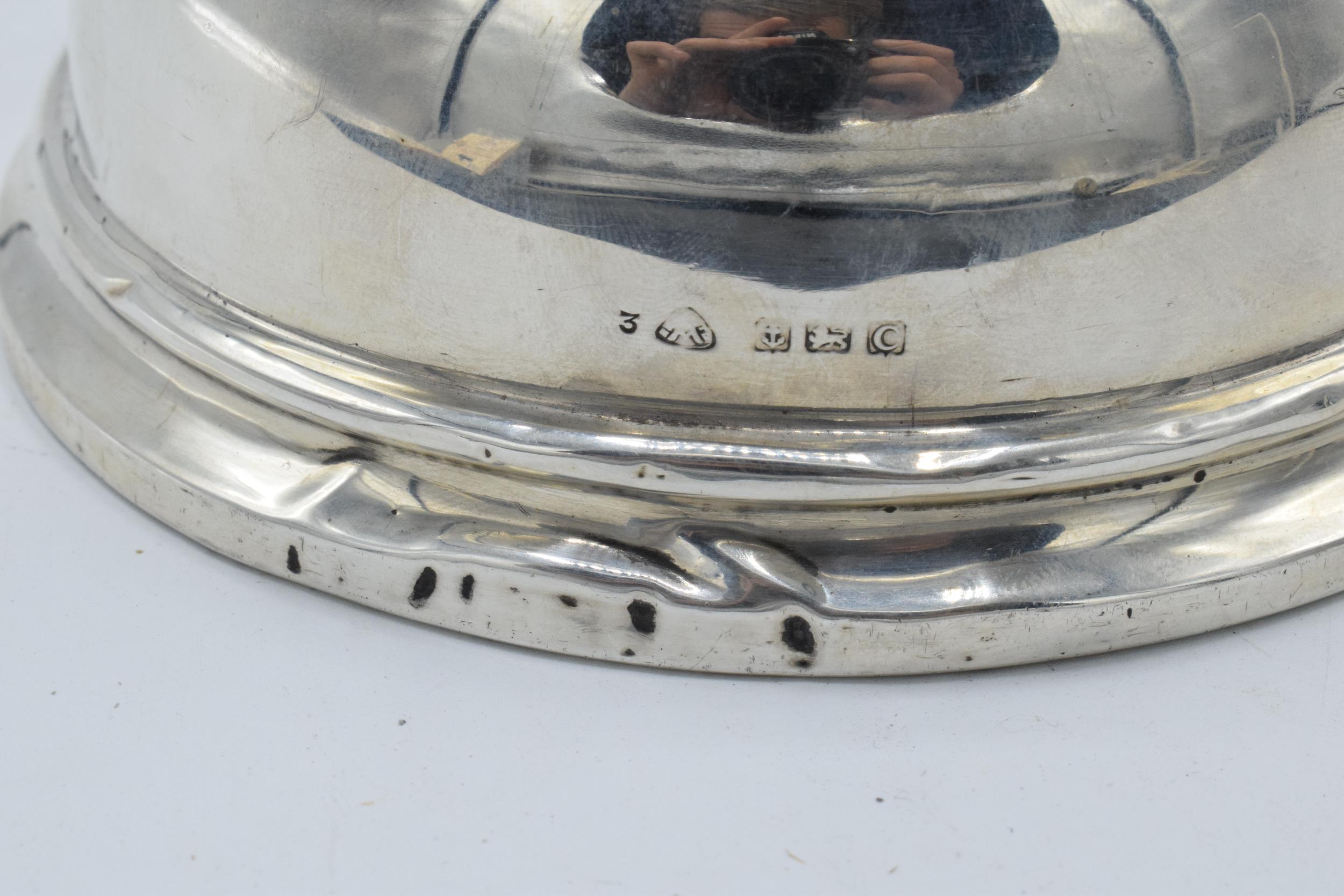 Large hallmarked silver inkwell with hinged lid. Birmingham 1927. 12cm widest diameter. No liner. - Image 6 of 6