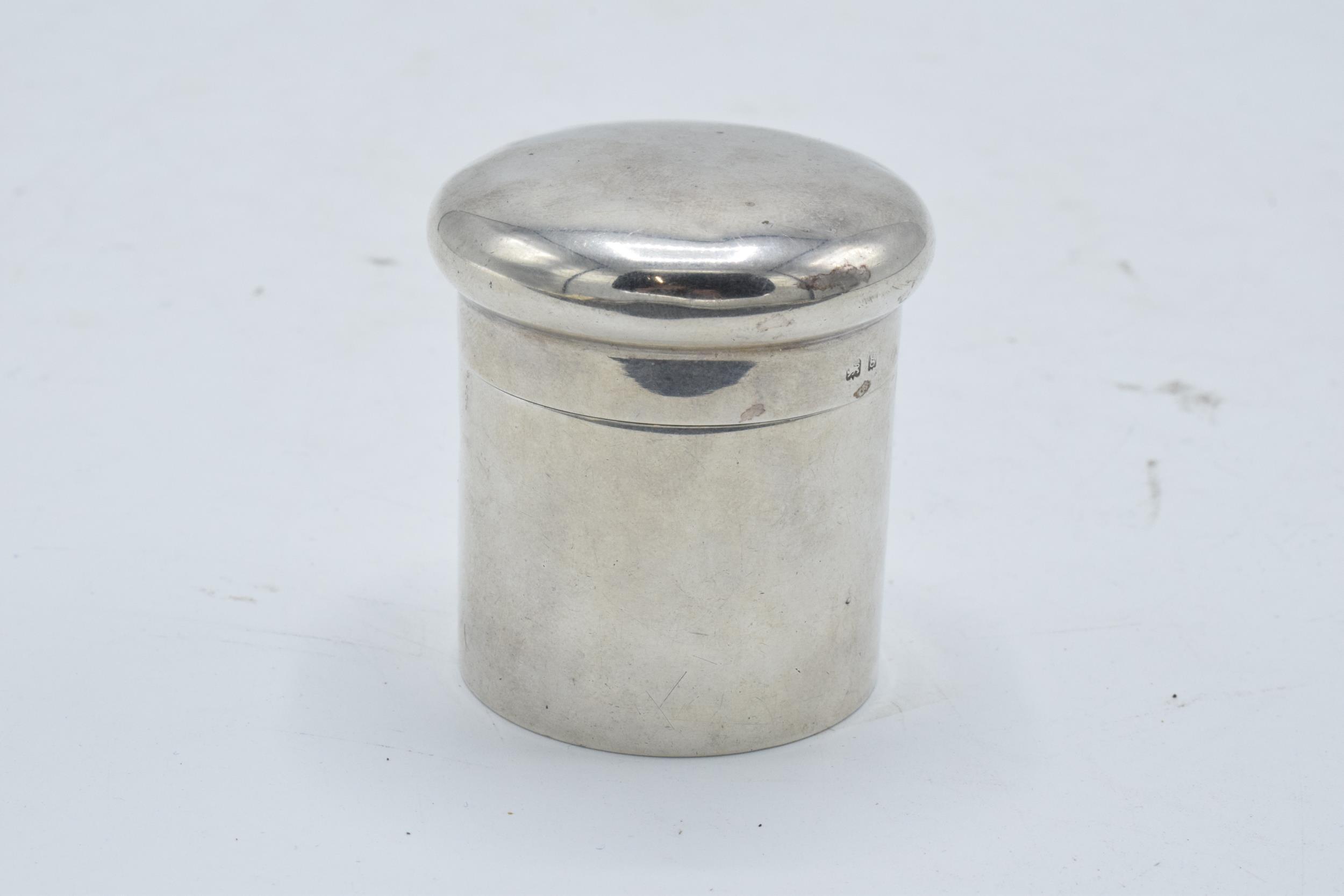 Silver cylindrical lidded pot/ box. Birmingham 1906. 45.4 grams. 5.5cm tall. - Image 2 of 4