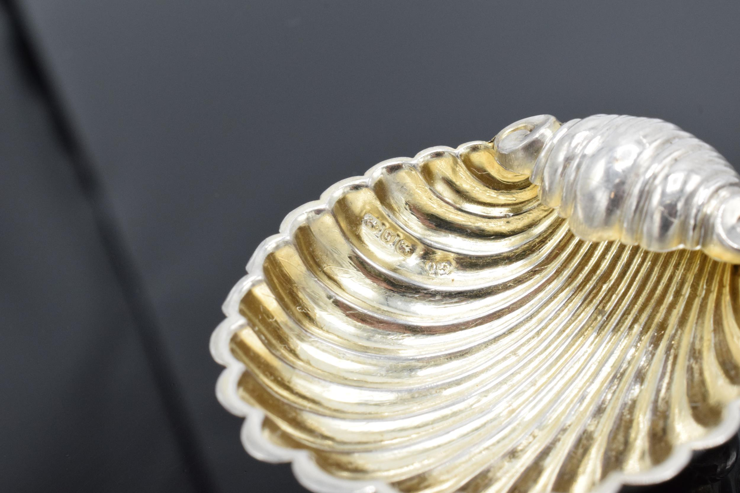 A pair of silver table salts in the form of shells raised on ball feet. Hallmarked for Birmingham - Image 6 of 6