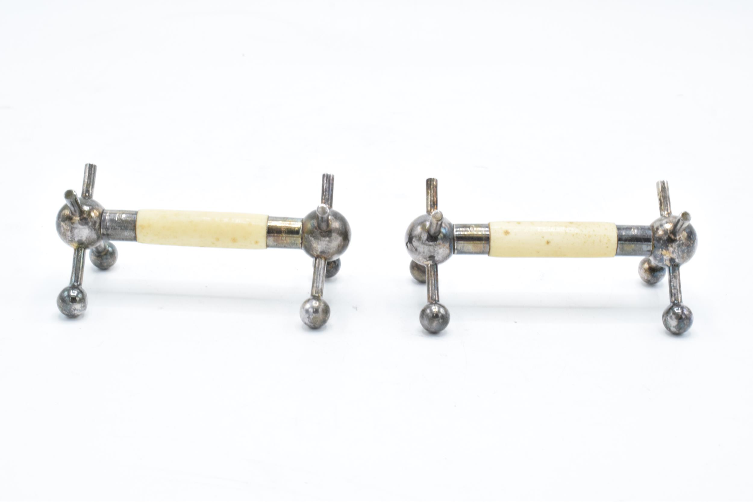 A pair of silver and ivory knife rests, hallmark looks to be Sheffield 1906. In good condition - Image 2 of 5