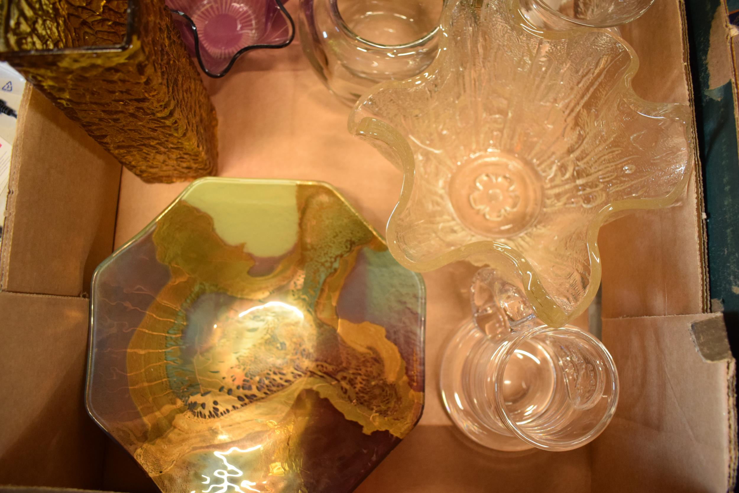 A collection of assorted art / studio glass in the form of a Dartington Crystal SWEB tankard, bowls, - Image 3 of 4