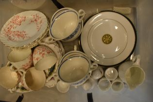 A mixed collection of pottery to include Royal Doulton plates, Royal Albert Old Country Roses etc NO