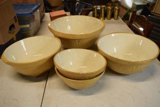 A collection of vintage T G Green Gripstand mixing bowls to include a 15'', 14'', 13'' and 2 10''