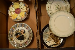 A collection of assorted plates to include Royal Doulton seriesware, dinner ware to include