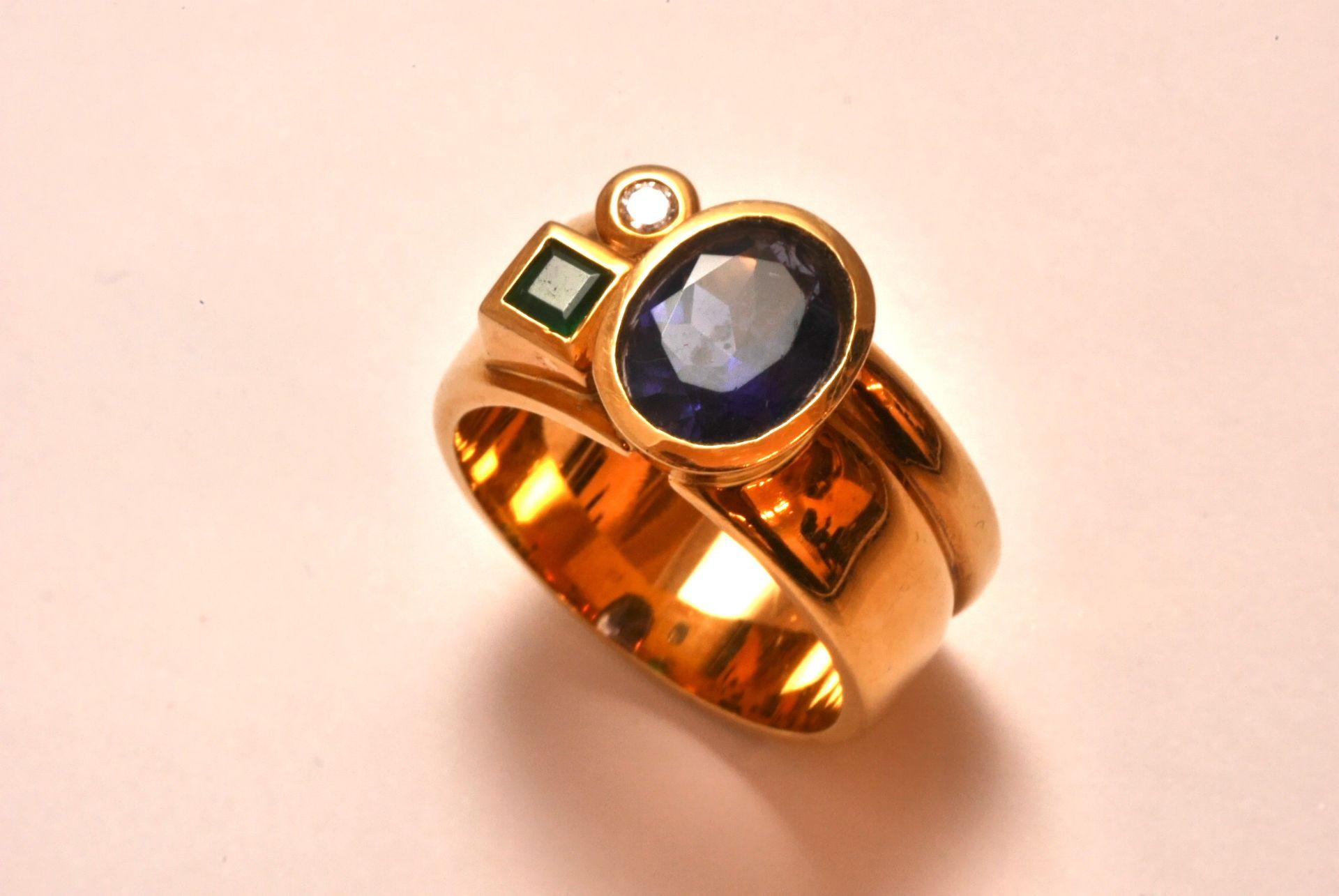 Ring GG 750, Iolith, Diamanten 0.05 ct, Smaragd, 21,53 Gramm