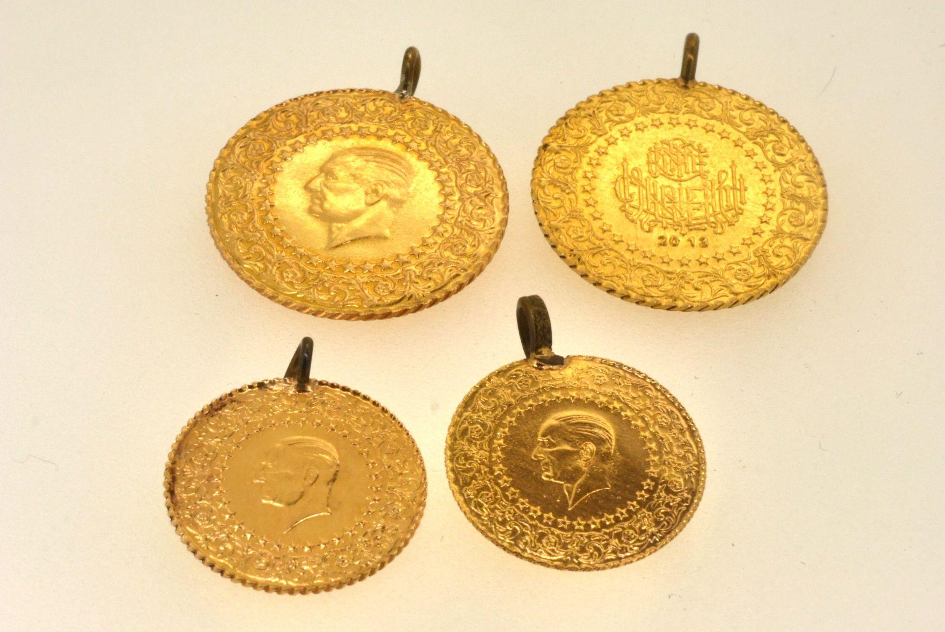 4 türkische Münzen, Metallösen, 10,78 Gramm