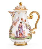 Kaffeekanne mit Hausmaler-Chinoiserien Meissen, um 1720 der Dekor Bayreuth oder Dresden, um 1725/38
