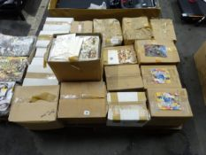 PALLET OF VARIOUS ANIMAL DESIGN CARDS