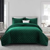 Lisette Bedspread Set with a Pillow - RRP £61.99