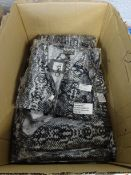 BOX OF 12 ZIP FRONT BATWING TOP BLACK& GREY (S/M)