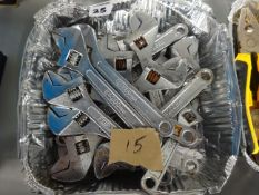 TRAY OF 15 MED ADJUSTABLE SPANNERS (SLIGHTLY RUSTY)