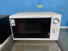 WHITE MICROWAVE (WORKING)