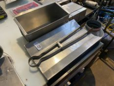 3X STAINLESS STEEL KITCHEN ITEMS