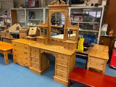 SOLID PINE 8 DRAWER CARVED DRESSING TABLE WITH 4 DRAWER CARVED MIRROR TOP