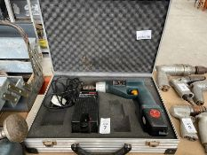 BOSCH 9.6V DRILL WITH BATT & CHARGER IN CASE (WORKING)