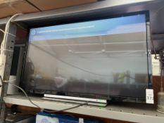 TOSHIBA SMART TV (TURNS ON - LINED)