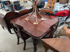 MAHOGANY EXTENDABLE TABLE & 4X CUSHIONED CHAIRS