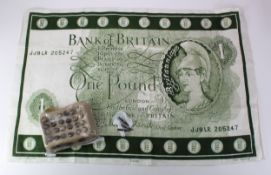 Bank of England collectables, Buttons (27) 3 large and 24 small, Ink pen nibs (3), Bank of Britain