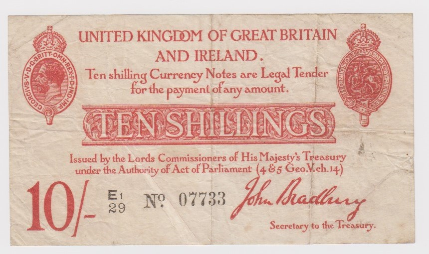 Bradbury 10 Shillings issued 1915, 5 digit serial number E1/29 07733 (T12.2, Pick348a) tiny centre