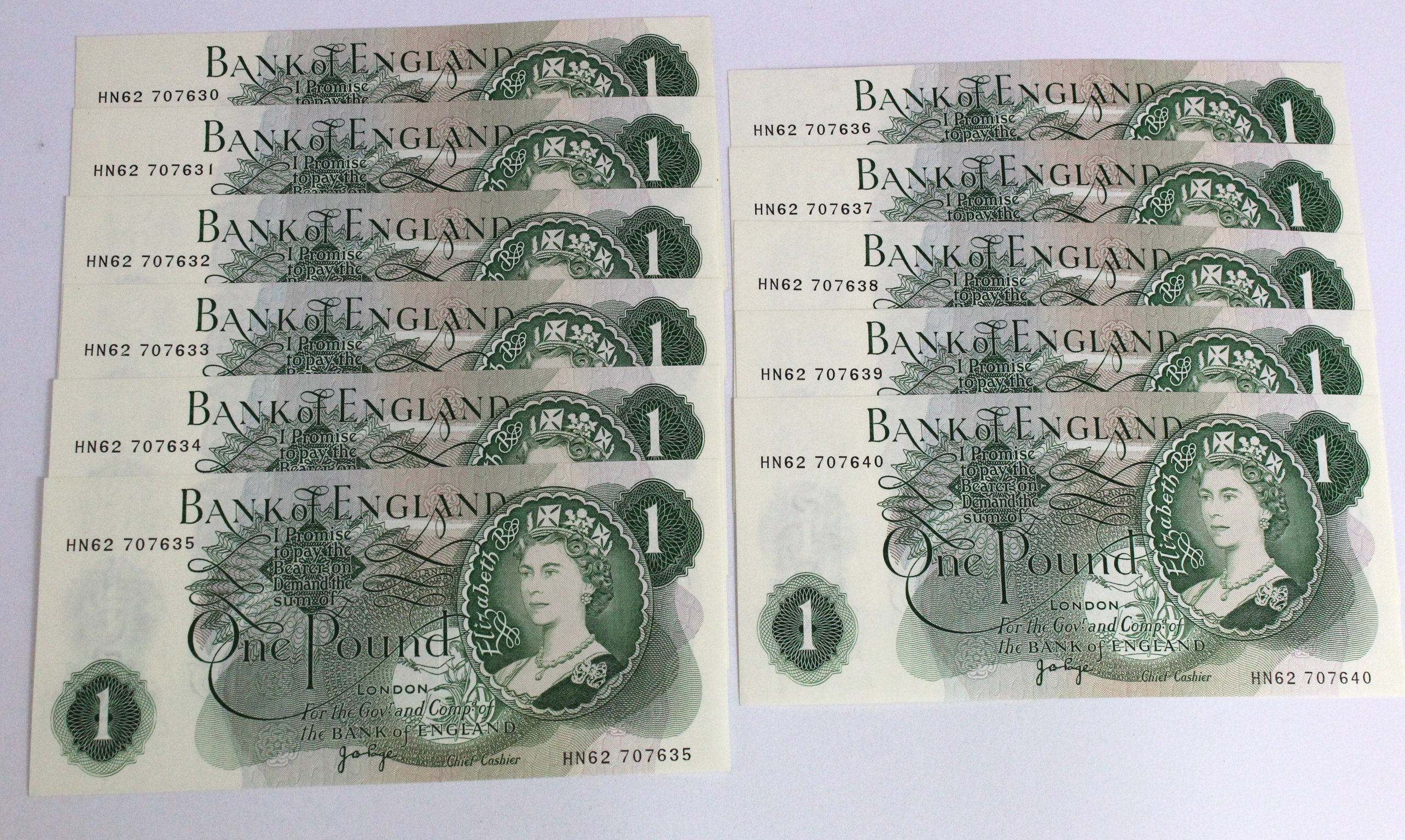 Page 1 Pound (11) issued 1970, a consecutively numbered run of 11 notes serial HN62 707630 - HN62