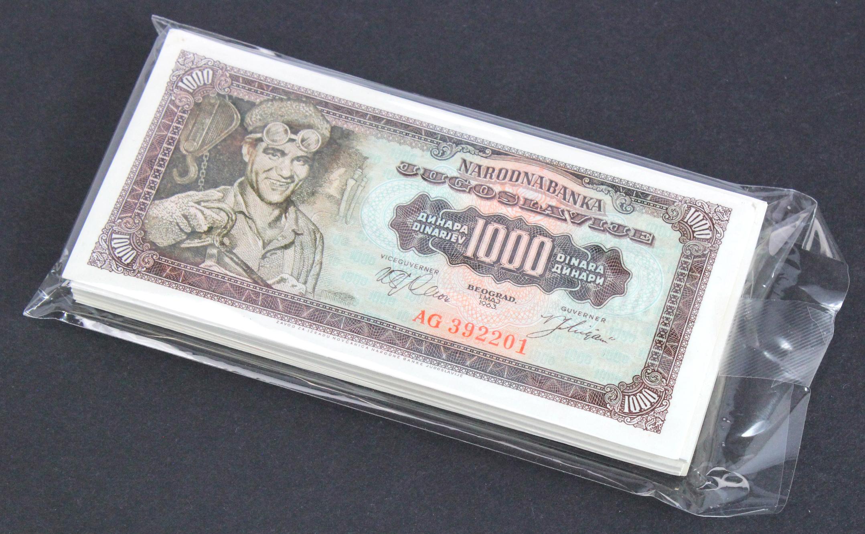 Yugoslavia 1000 Dinara (100) dated 1st May 1963, including some consecutively numbered runs (TBB