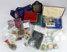 Mixed Foreign medals, foreign miniatures and various medallions, including Prussian, Order of St