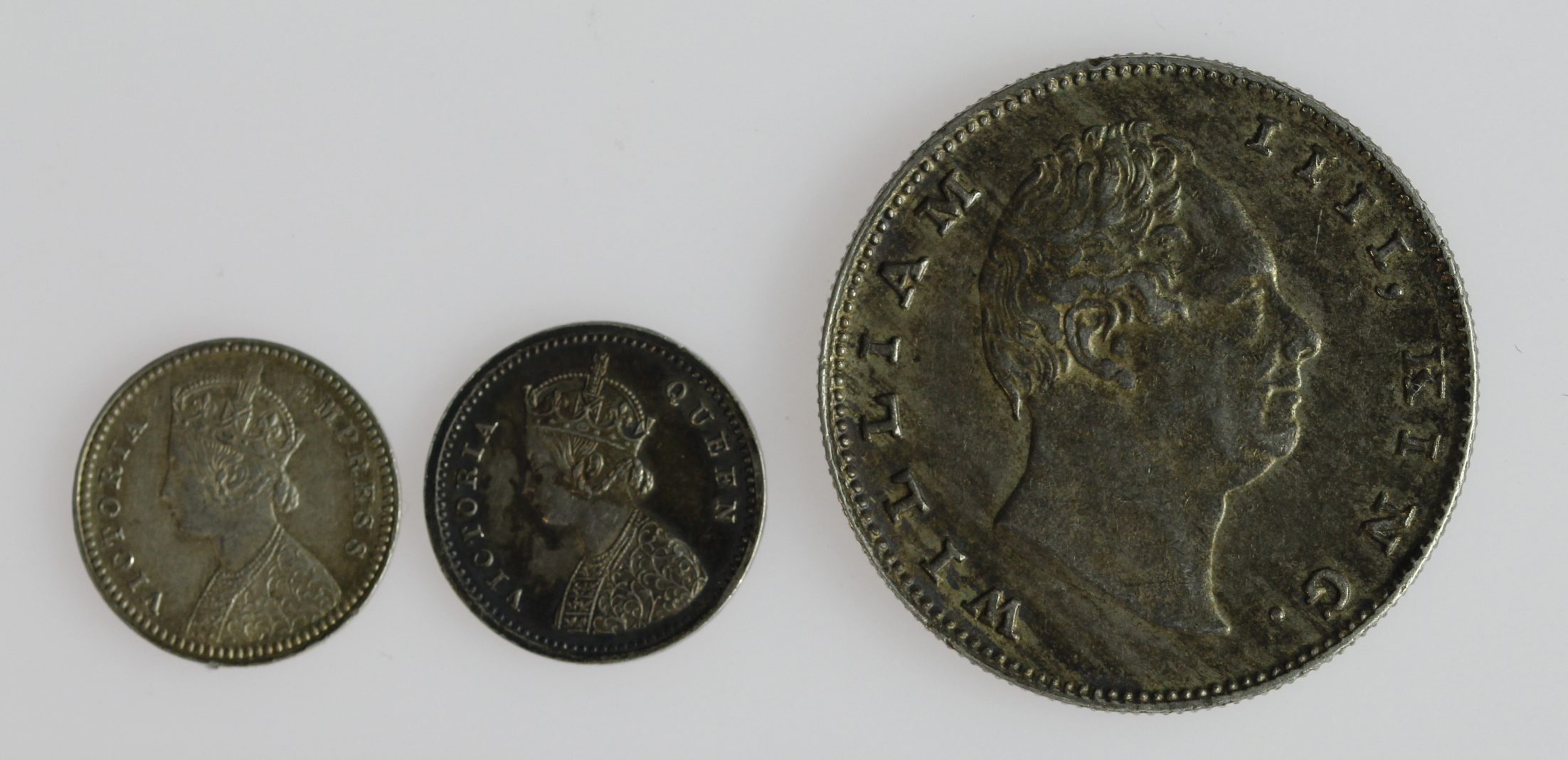 India (3): William IV EIC Rupee 1835 no initials on truncation, toned GVF, along with 2x Queen